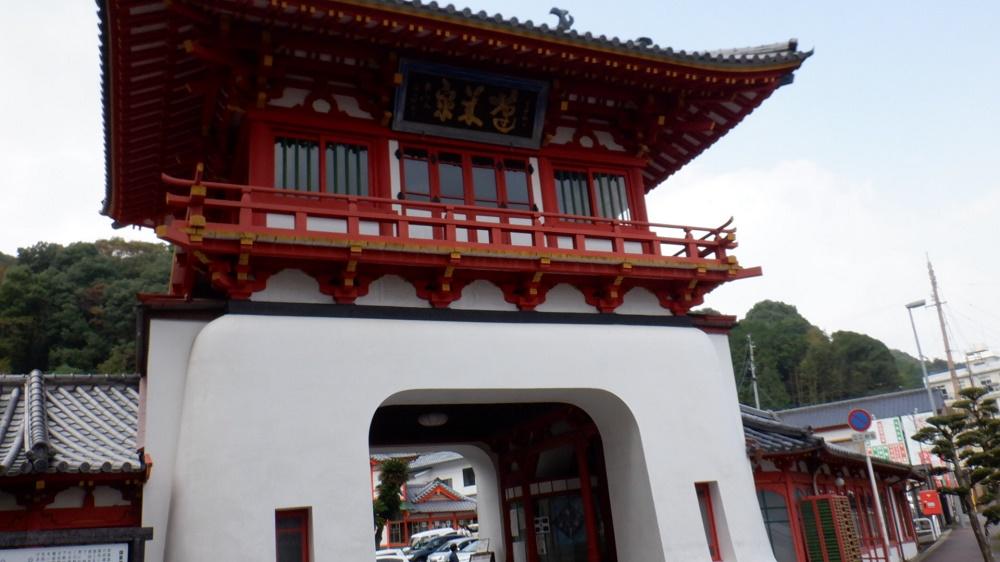 武雄温泉のシンボル楼門