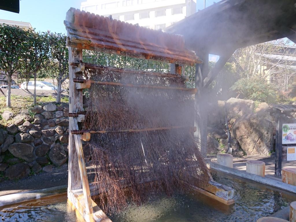 鉄輪温泉にある冷却装置湯雨竹