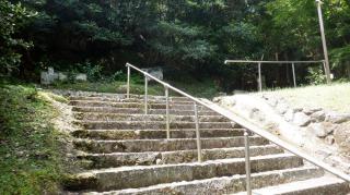 文殊仙寺内にある階段の1つ