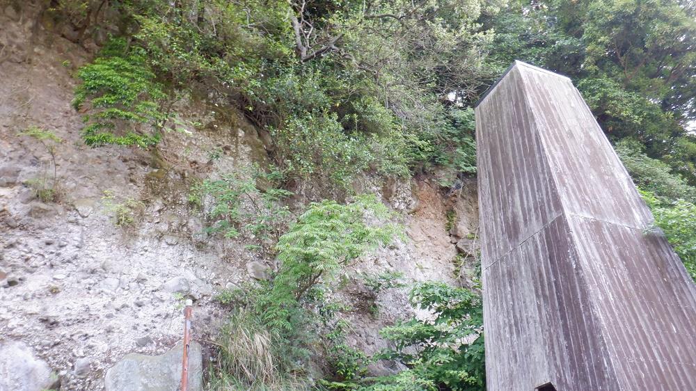 堀田温泉の断層