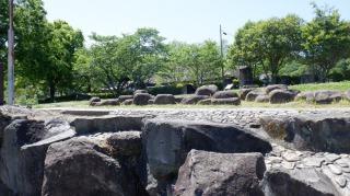 原尻の滝周辺にある岩