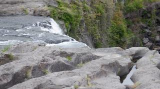 上から見た原尻の滝の勢いがある部分