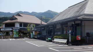 臼杵石仏駐車場の光景