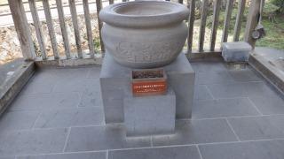 お寺の香炉