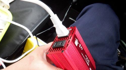 インバーターに100V電源を接続
