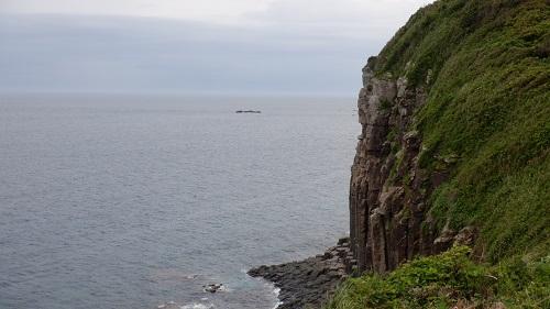 生月島内の崖と海