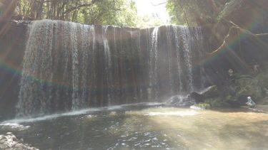 表側と裏側から【鍋ケ滝】! 熊本県小国町でびしょ濡れに