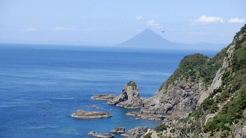 佐多岬遊歩道から見た開聞岳