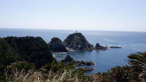 佐多岬展望台から見える白い灯台