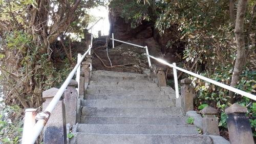 荒平天神参道の階段