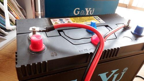 車載バッテリーと使用コードの接続