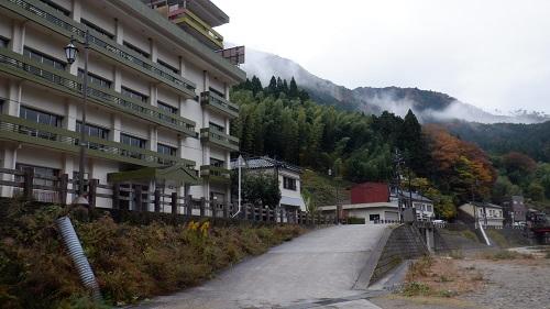 湯原温泉無料駐車場からの光景
