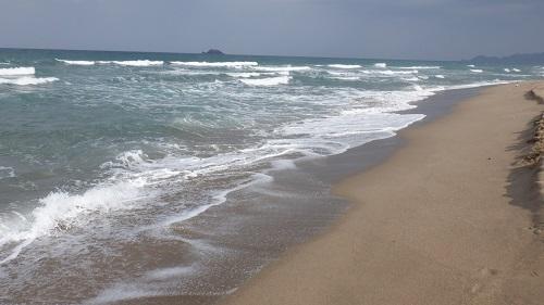 鳥取砂丘と平行に伸びる日本海