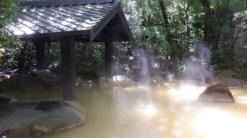 筌ノ口温泉新清館の露天風呂