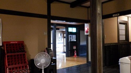 筌ノ口温泉新清館建物内の光景
