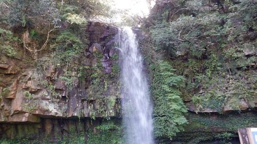 神川大滝敷地内の小滝(弁財天の滝)