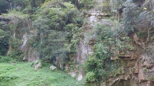 神川大滝周辺の岩場