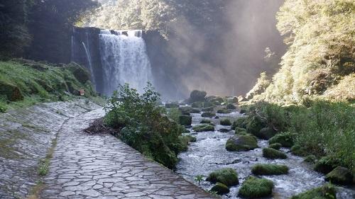 神川大滝遊歩道の先にある大滝(恵比寿の滝)