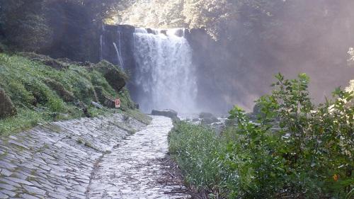 足元に注意が必要な大滝遊歩道と大滝