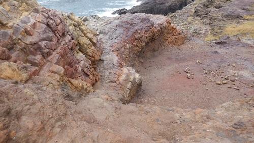 崖から見た海の光景