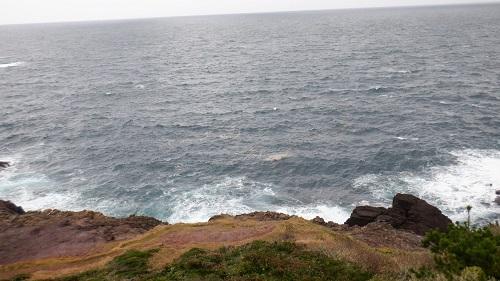岩場から眺めた海の光景