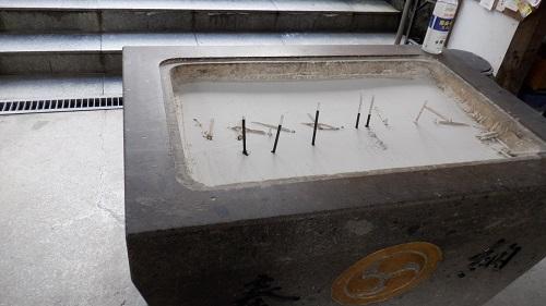 香山昇龍大観音に参拝の際に線香を立てる場所