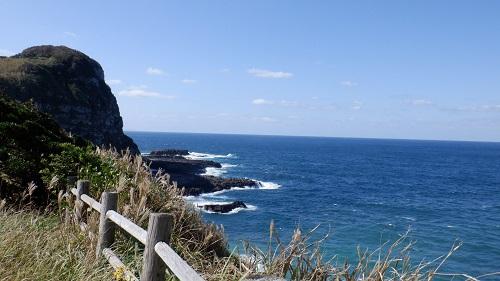大バエ灯台遊歩道から見た海の光景