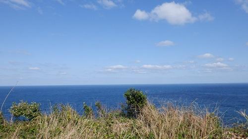 大バエ灯台近くの海の光景