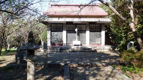火の山神社の敷地内にある拝殿