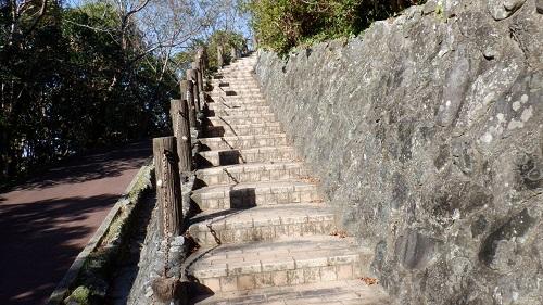 権現山展望台への階段