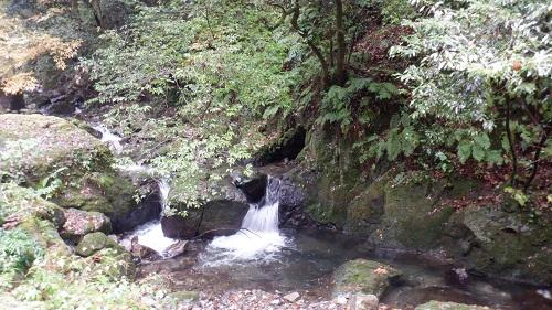 神庭の滝から続いている川