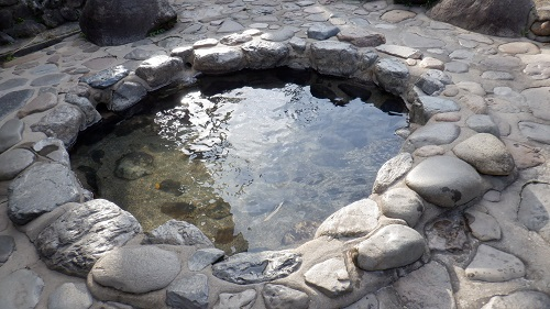 三朝温泉河原風呂隣の足湯