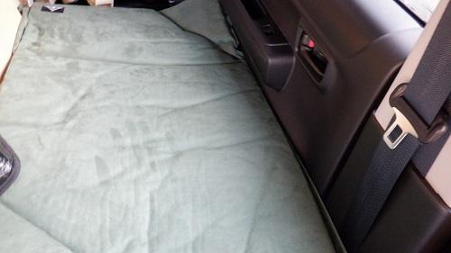 車中泊マットの車内使用