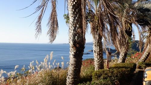 クルスの海周辺の海と駐車場