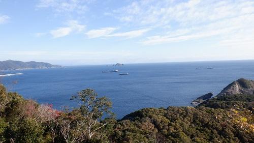 細島灯台近くから見た海