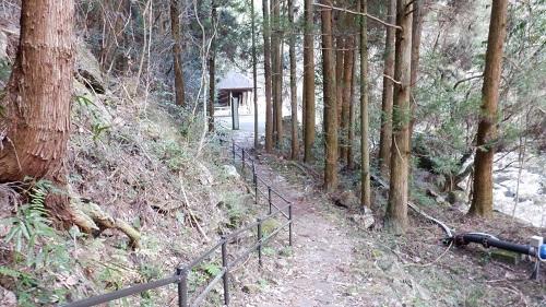 福貴野の滝の遊歩道からの出口