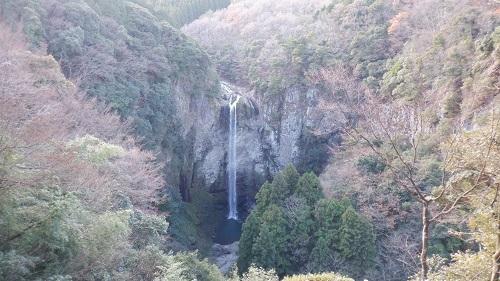 展望台から見た福貴野の滝