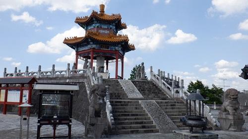 孔子公園内の孔子像がある建物