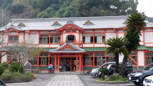 武雄温泉新館の外観