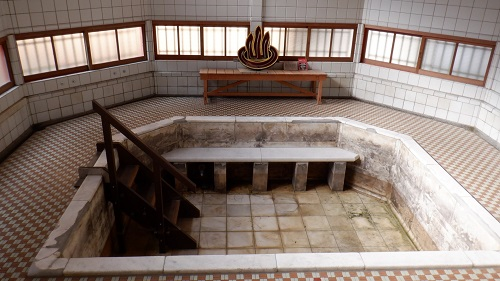 武雄温泉かつての湯舟