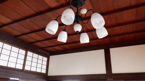 武雄温泉新館内のシャンデリア