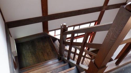 武雄温泉新館内の階段