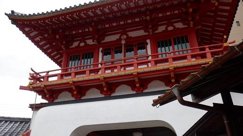 武雄温泉の内側から見た楼門