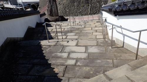生月大魚籃観音入口の階段