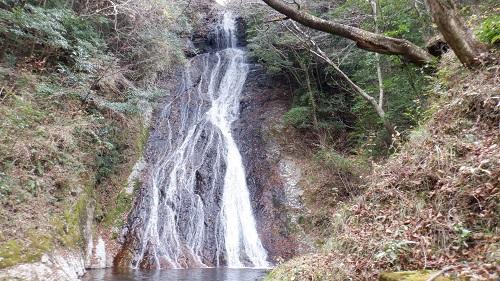 常光寺の滝全体像