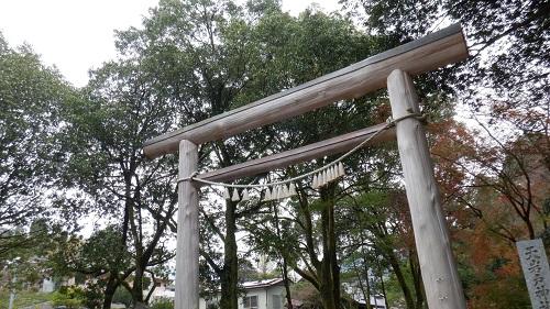 天岩戸神社の駐車場から近い第一鳥居