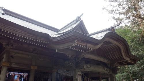 天安河原遥拝所の屋根部分