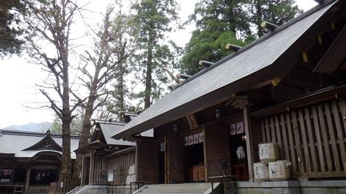 天岩戸神社拝殿と天安河原遥拝所