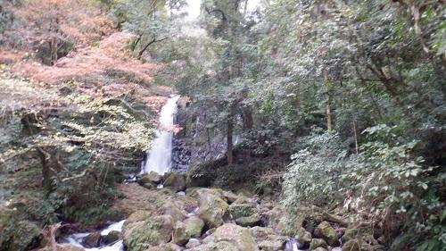 白糸の滝と紅葉