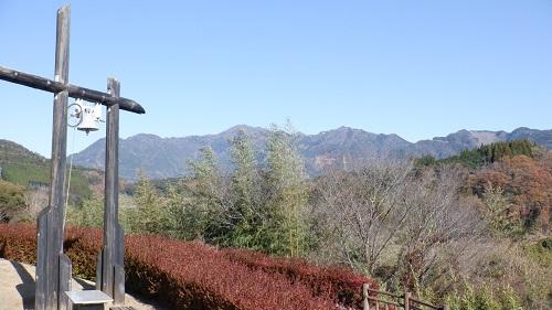 青雲橋公園内にある幸せの鐘